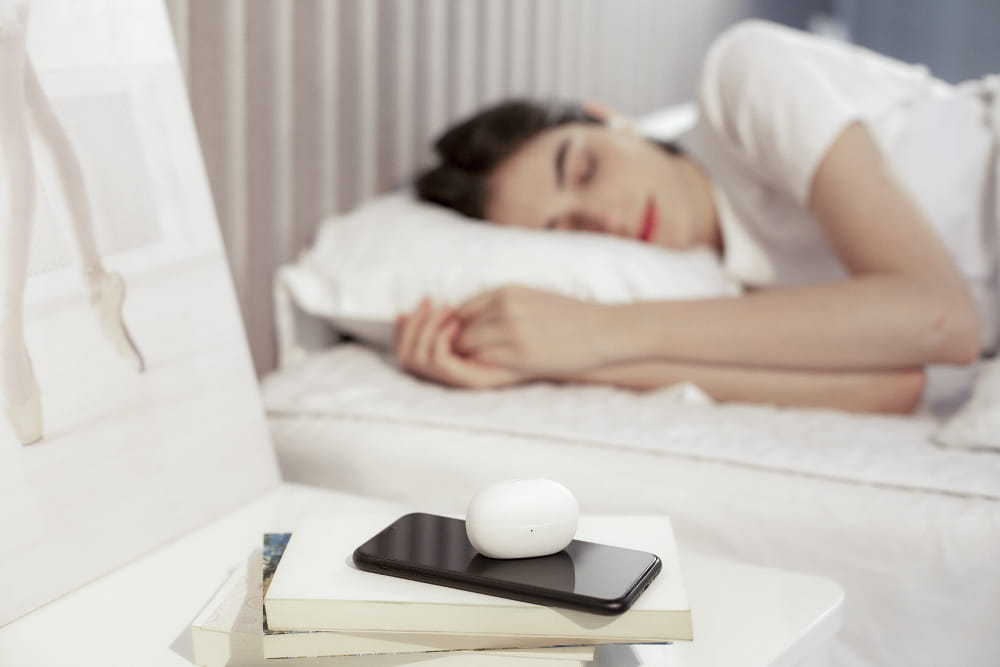 1MORE ComfoBuds Z EH601 睡眠豆真無線耳機-白色 3
