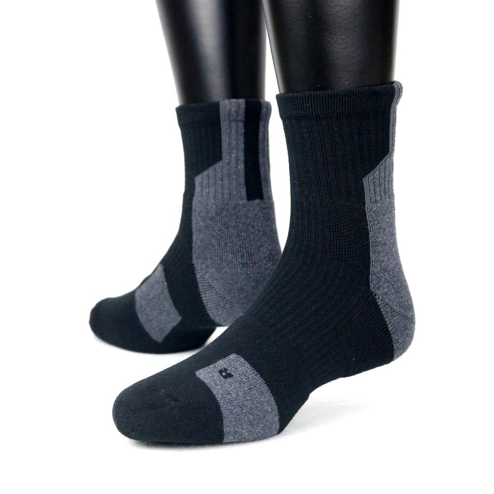 【IFEET】(K132-1)EOT科技不會臭的中筒厚運動襪 4