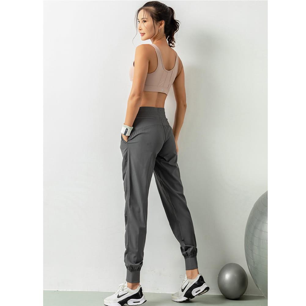 輕薄透氣寬鬆機能運動褲 14