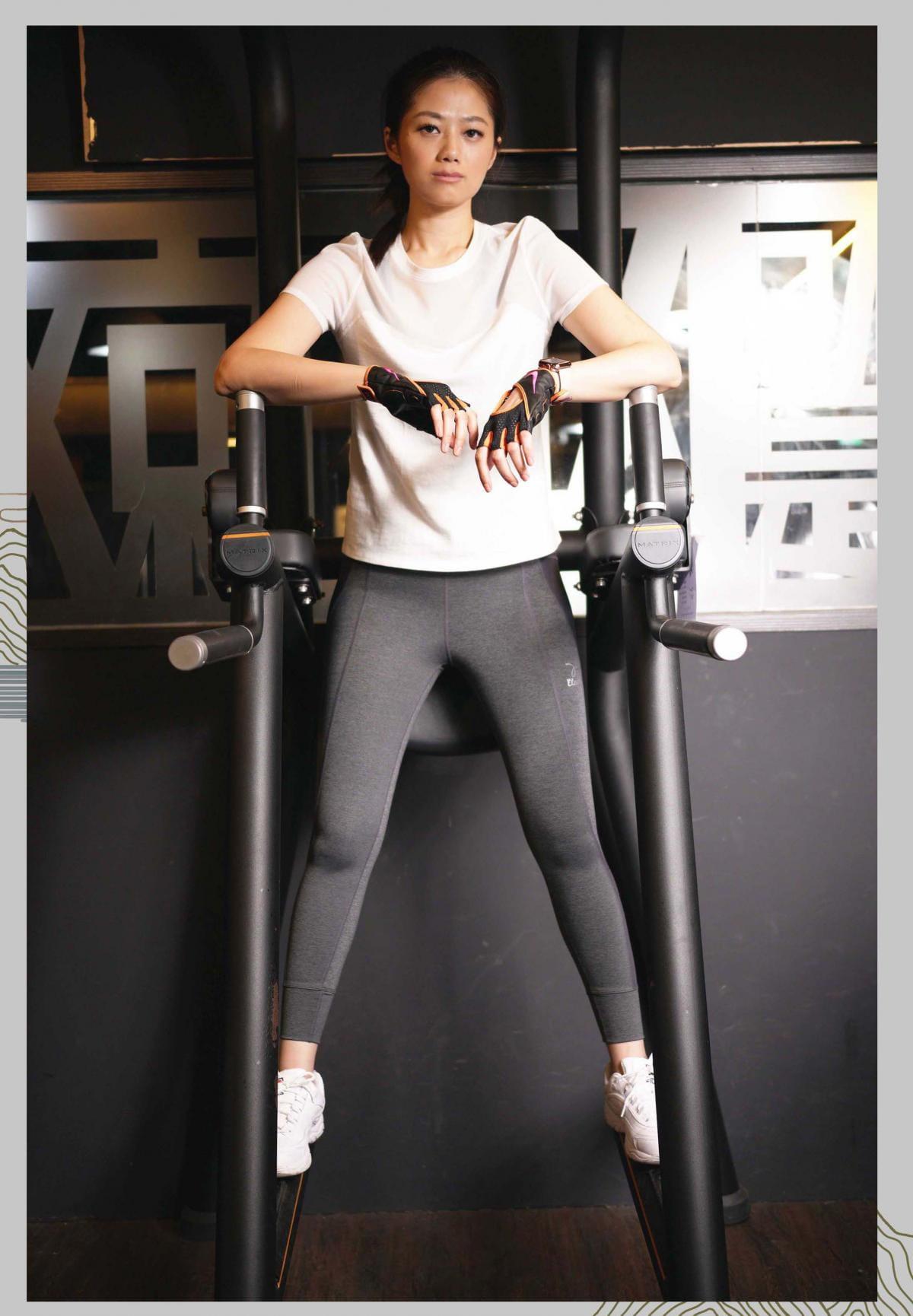 【ELASTI】美姿健身褲(配置手機口袋夾層壓力褲) 9