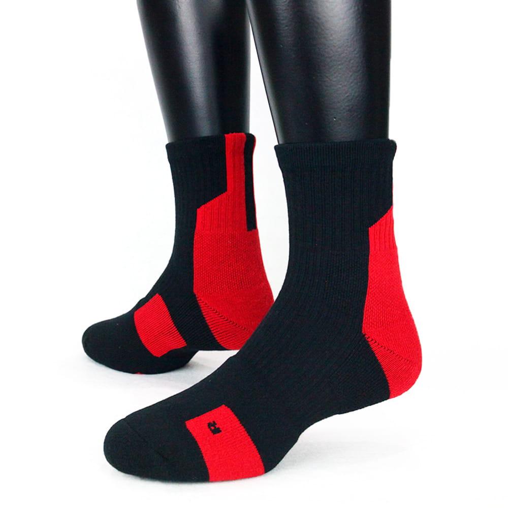【IFEET】(K132-1)EOT科技不會臭的中筒厚運動襪 5