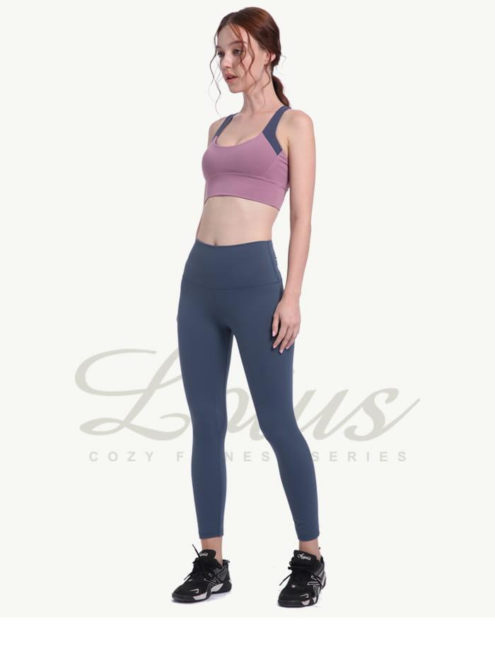 蜜桃翹臀曲線前口袋透氣運動褲-曖昧藍 1