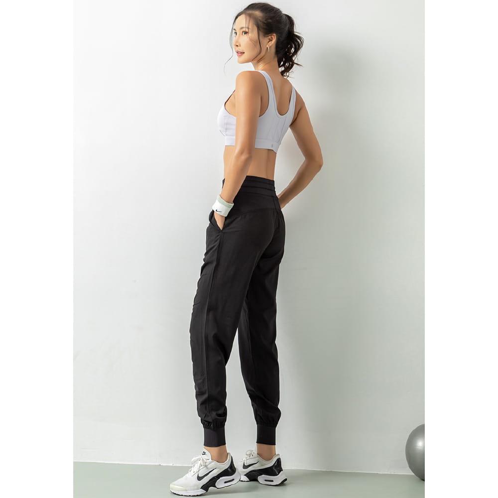 輕薄透氣寬鬆機能運動褲 18